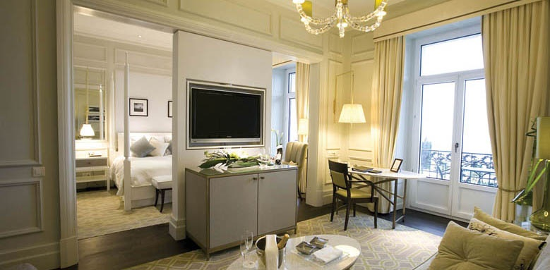 Fairmont Le Montreux Palace, junior suite