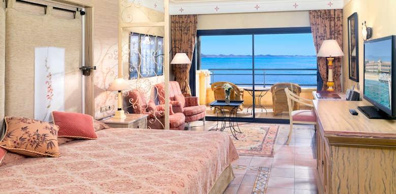 Gran Hotel Atlantis, Deluxe guestroom