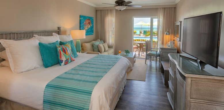 Sea Breeze, classic poolside suite