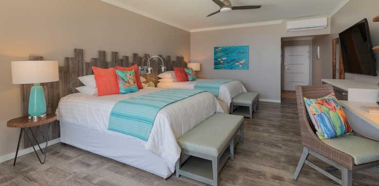 Sea Breeze, Luxury three bedroom suite ocean front