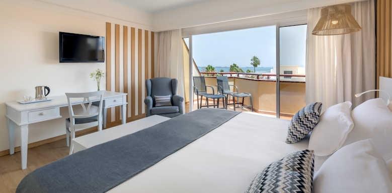 Barcelo Corralejo Bay, standard room with side sea view