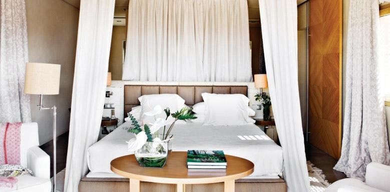 Las Villas Gran Hotel Bahia Del Duque, Villa Las Retamas bedroom