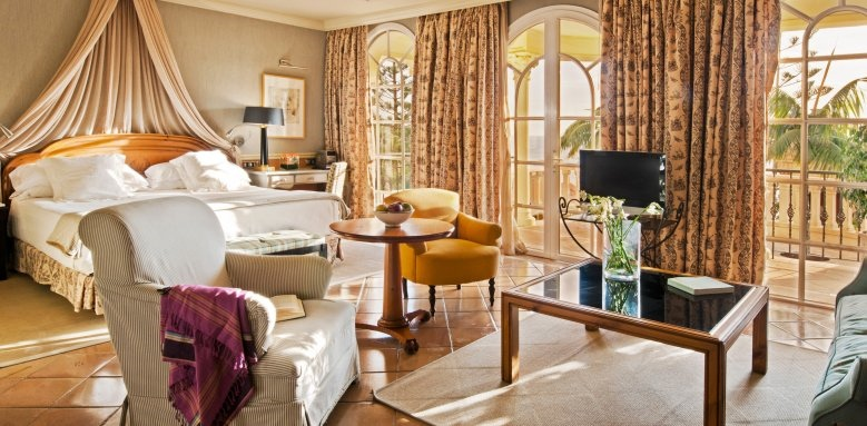 Gran Hotel Bahia del Duque, Casa Ducal junior suite