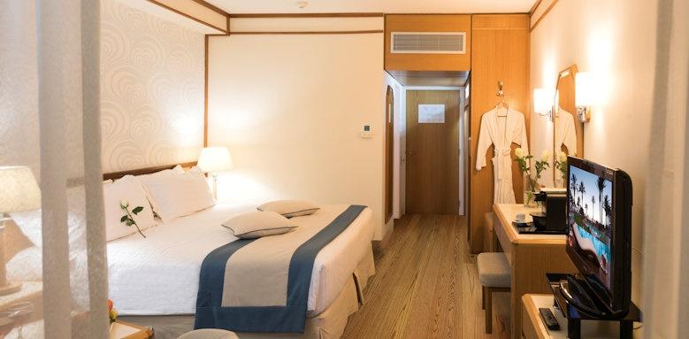 Constantinou Bros Athena Beach Hotel, superior room land view