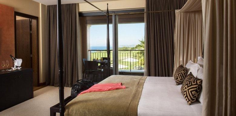 Cascade Wellness & Lifestle Resort, Master Suite Distant Ocean View