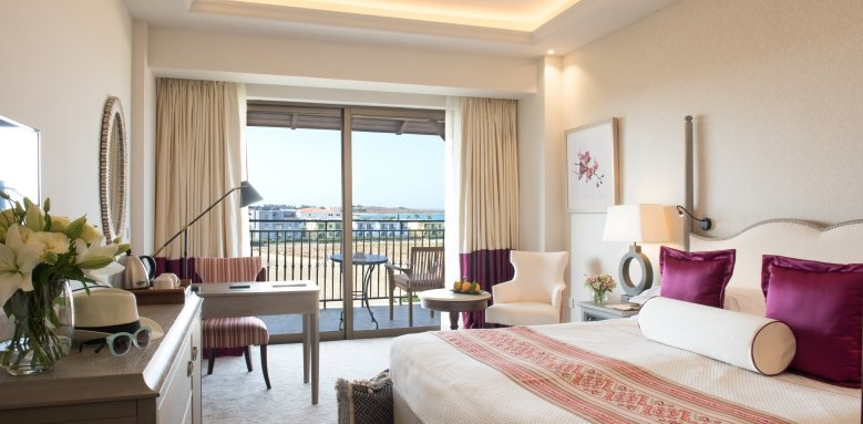 Elysium, Deluxe bedroom side sea view