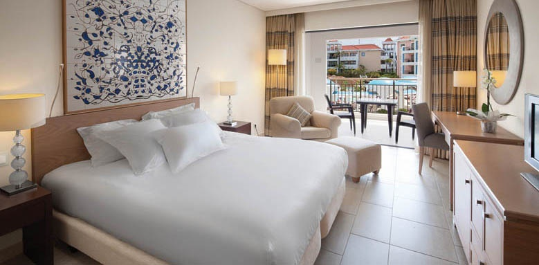 Hilton Vilamoura As Cascatas Golf Resort & Spa, Pool View Family Suite