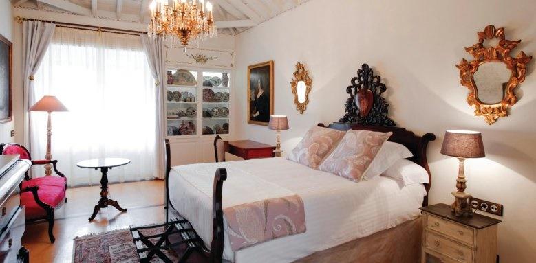 Hotel Hacienda De Abajo, superior room