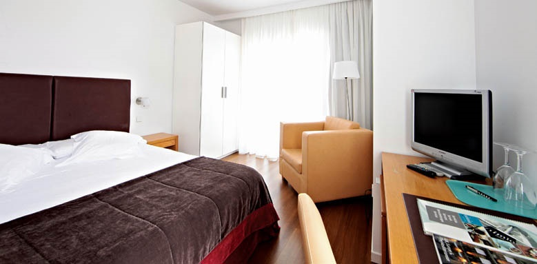 Aimia Hotel, Standard Double Room