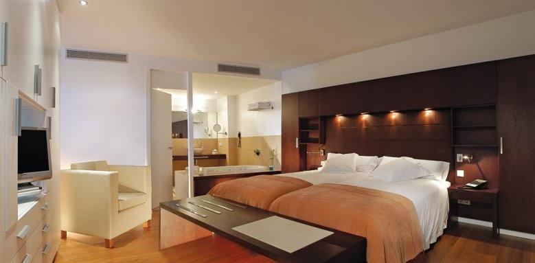 Aimia Hotel, Junior Suite