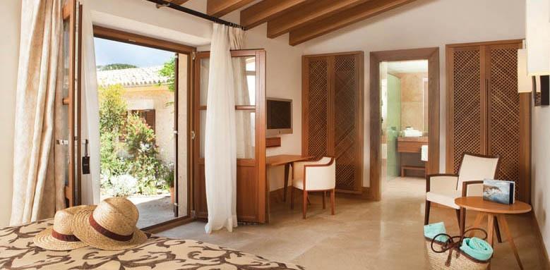 Castell Son Claret, Estate Room