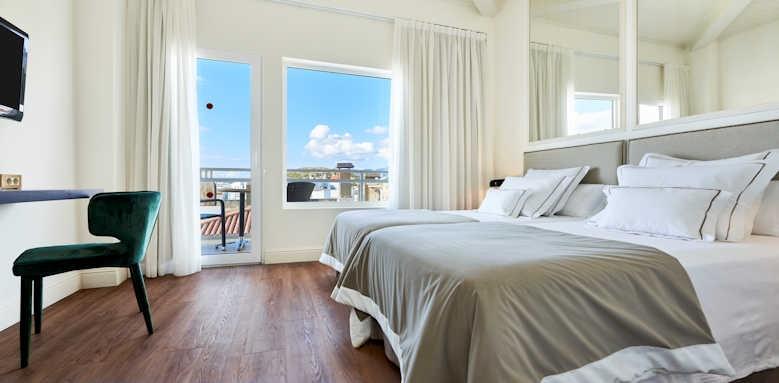 Hoposa Hotel Daina, town or mountain view room