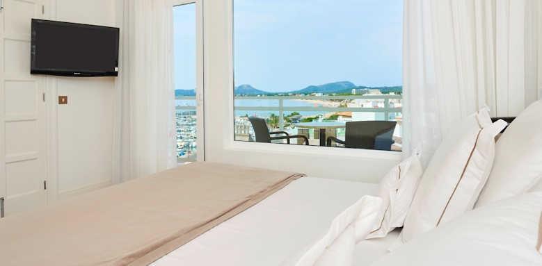 Hoposa Hotel Daina, side sea view