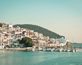 luxury skopelos town holidays